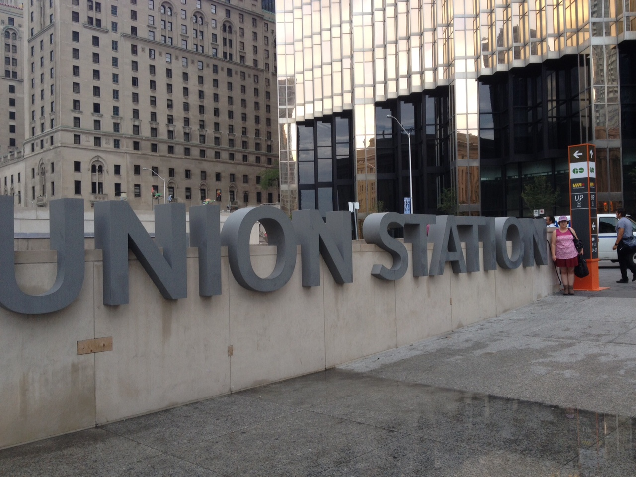 Once We Arrived At Union Station In Toronto It Was A 11 Km Walk To Our First Stop